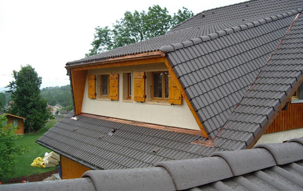 comblespace rehaussement sur l vation de toiture annecy savoie et haute savoie. Black Bedroom Furniture Sets. Home Design Ideas